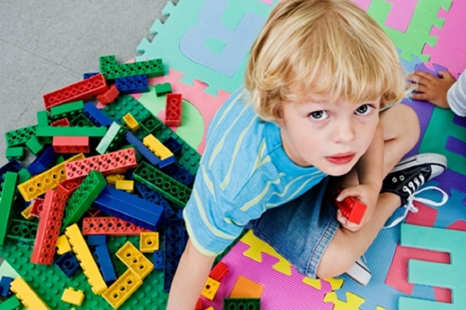 Cateva motive pentru care jocul dezordonat este important si util pentru copii