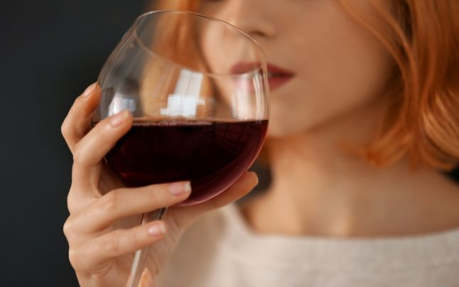 Este bine pentru sanatate sa beti vin rosu?