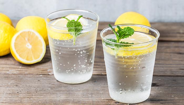Cum obții apă alcalină?