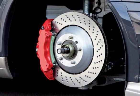 Cum functioneaza sistemul de franare a masinii?