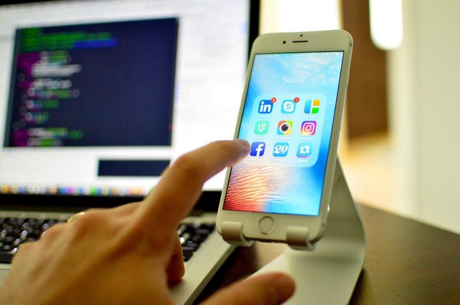 De ce sa folositi aplicatii pentru telefon pentru urmarirea productiei?