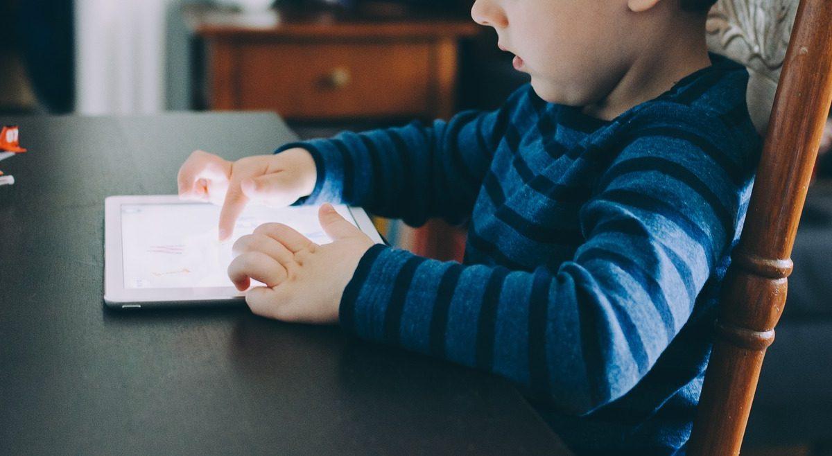 Cum ne educam copii cu ajutorul aplicatiilor?
