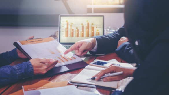 Cum te poate ajuta un intermediar financiar?